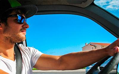 Consejos para conducir seguro en Verano